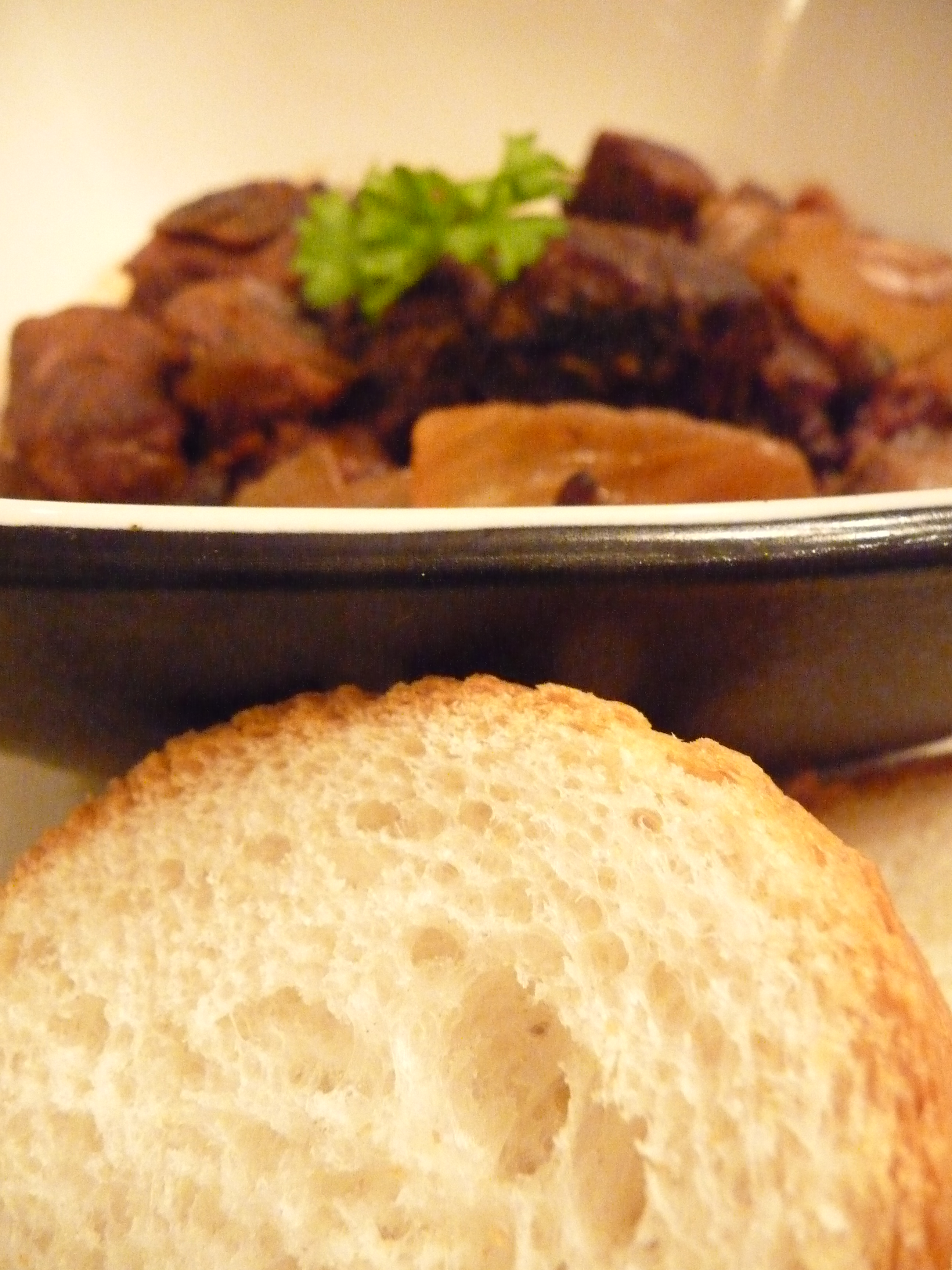 how to cook beef bourguignon in a slow cooker