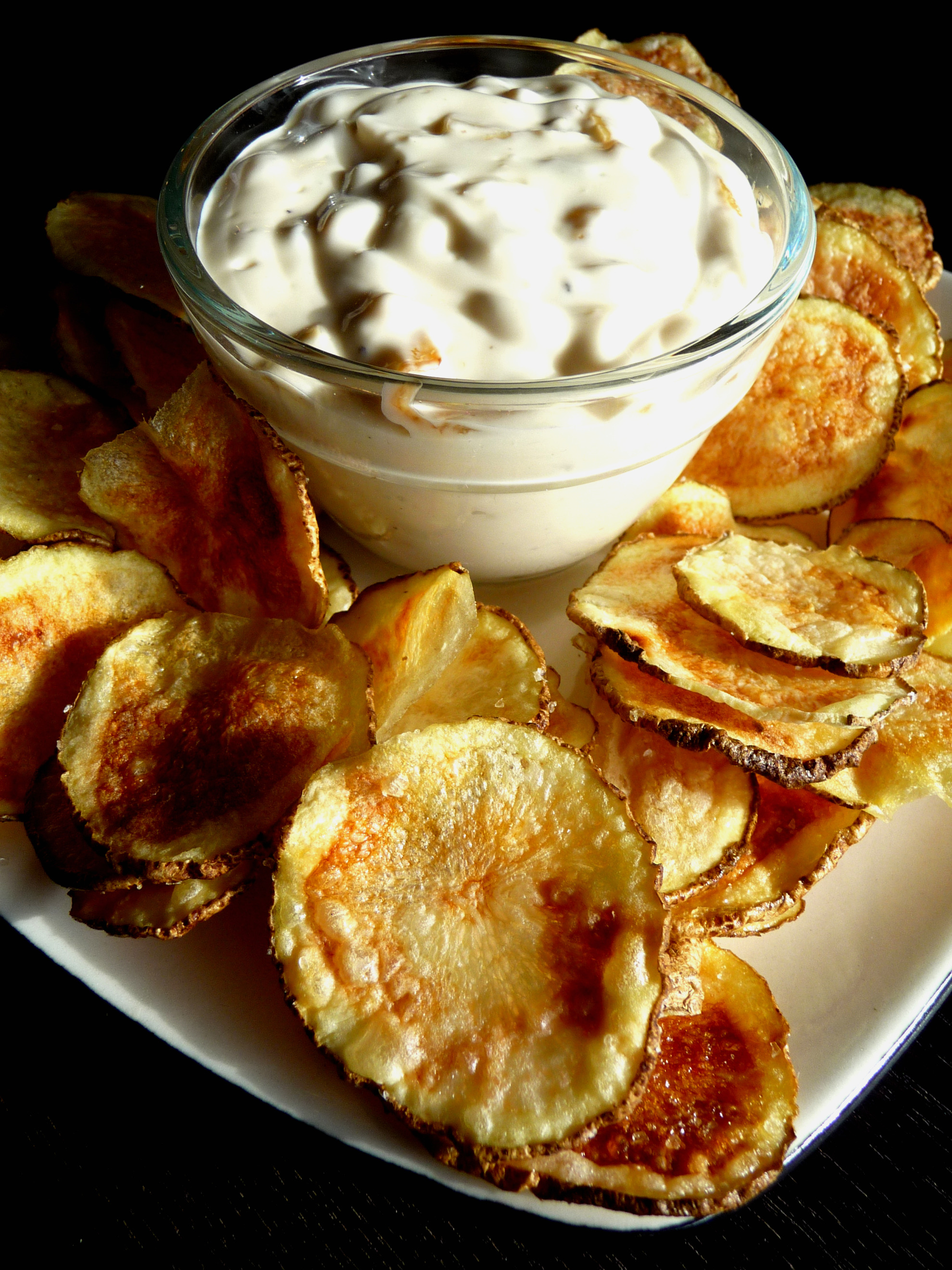 Caramelized Onion Dip with Microwave Potato Chips | The Hungry Teacher